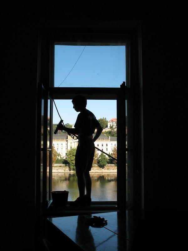 Mytí oken Pražské konzervatoře