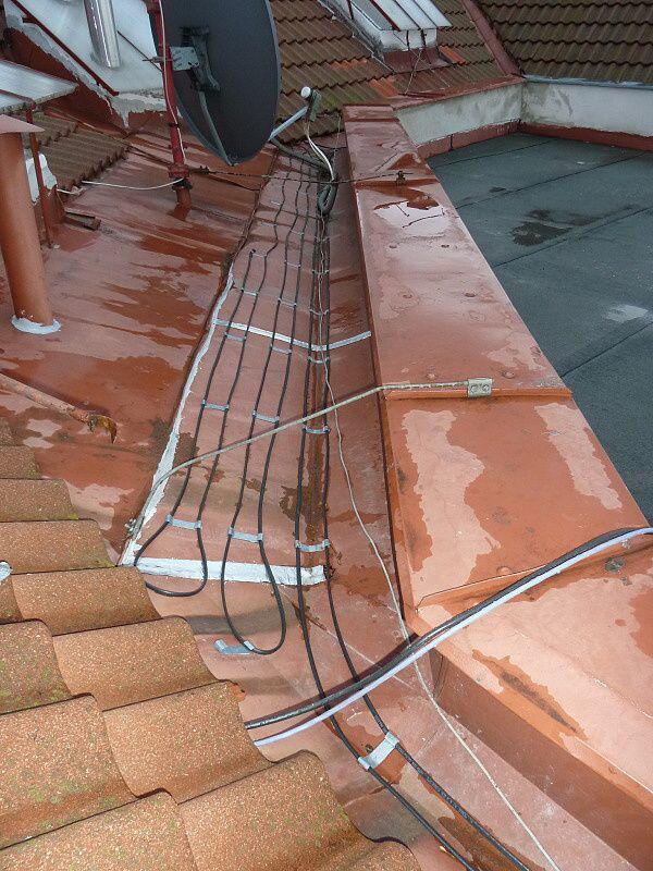 Ochrana okapů před zamrznutím - montáž topných kabelů