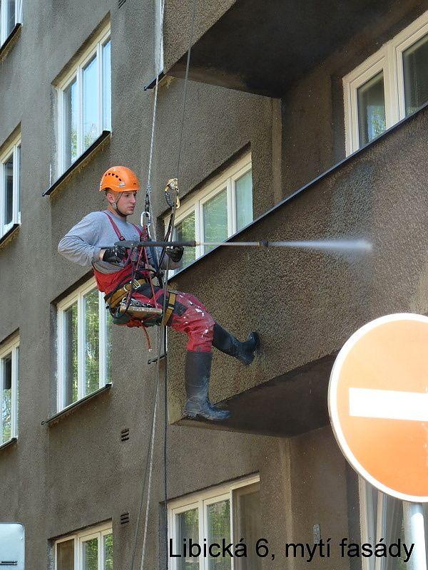 Libická - mytí fasády tlakovou vodou