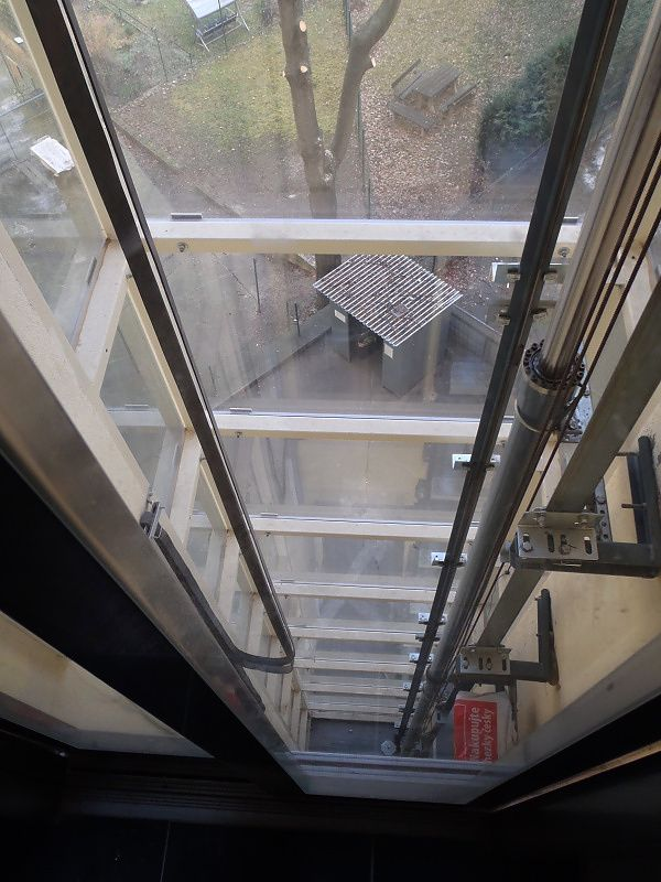 Čištění výtahové šachty