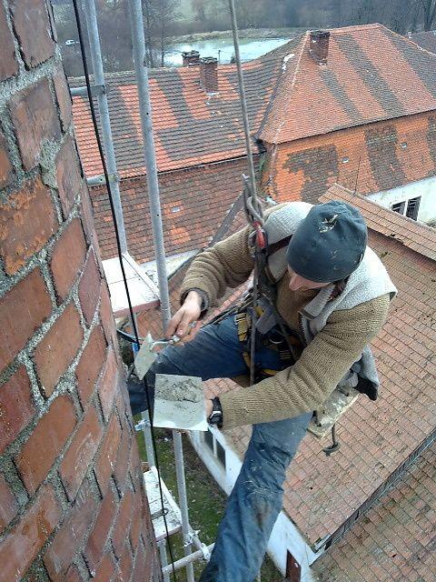 Oprava vysokých komínů z lana